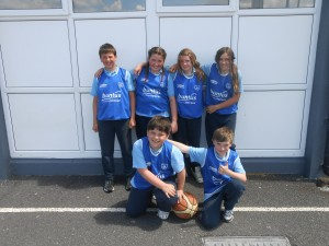 The blue team..Alex, Marcella, Keri, Amber, Alex and Liam.